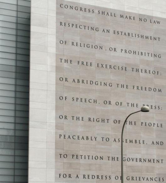 Newseum_5_Freedoms_1st_Amendment